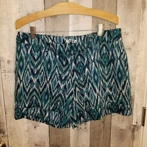 Apt 9. Cuffed trouser style shorts size 14
